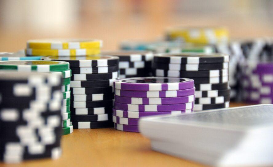 Lag en casinokveld i hjemmet for jobben